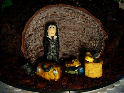 The Graveyard Book Cake - Silas