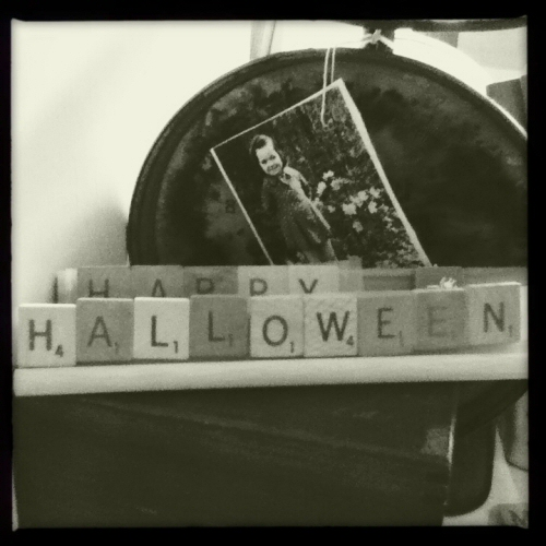 Happy Halloween 2011 by Rox of Spazhouse