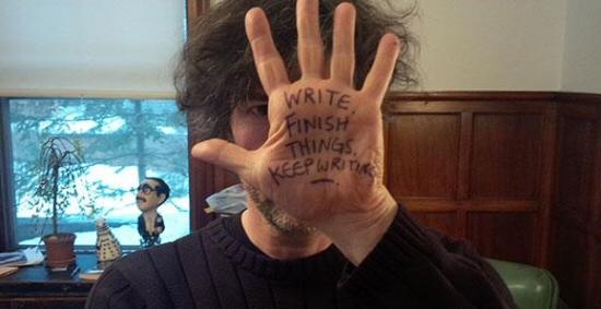Neil Gaiman and his magic hand