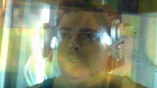Almost Human: Karl Urban getting mindgroped