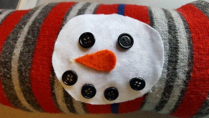 Make a Holiday Snowman Pillow