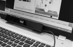 Tobii eye tracker på laptop
