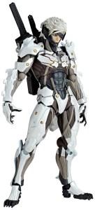 Metal-Gear-Rising-Revoltech-Raiden-White-Armor-001