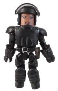 TRU WD 5 Michonne Hitchhiker 02 Riot Gear