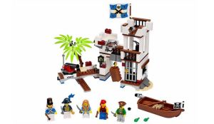 LEGO-Pirates-Soldiers-Fort-70412-1