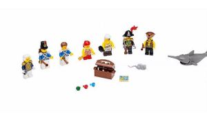 LEGO-Pirates-The-Brick-Bounty-70413-2
