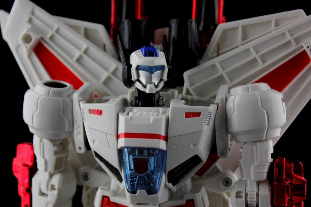 Transformers Generations: Leader Class Jetfire Review & Gallery