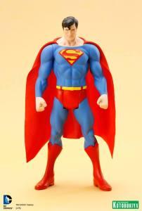 DC Universe Super Powers Superman ARTFX+ Statue. (5)