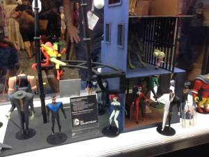 DC Collectibles SDCC Gallery  (13)