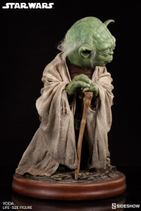 Yoda Life-Size Statue (5)