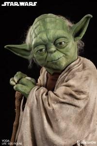 Yoda Life-Size Statue (6)