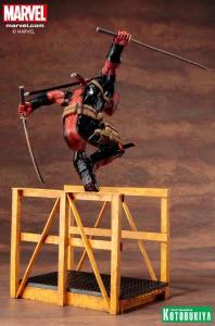 marvel-comics-super-deadpool-artfx-statue-5