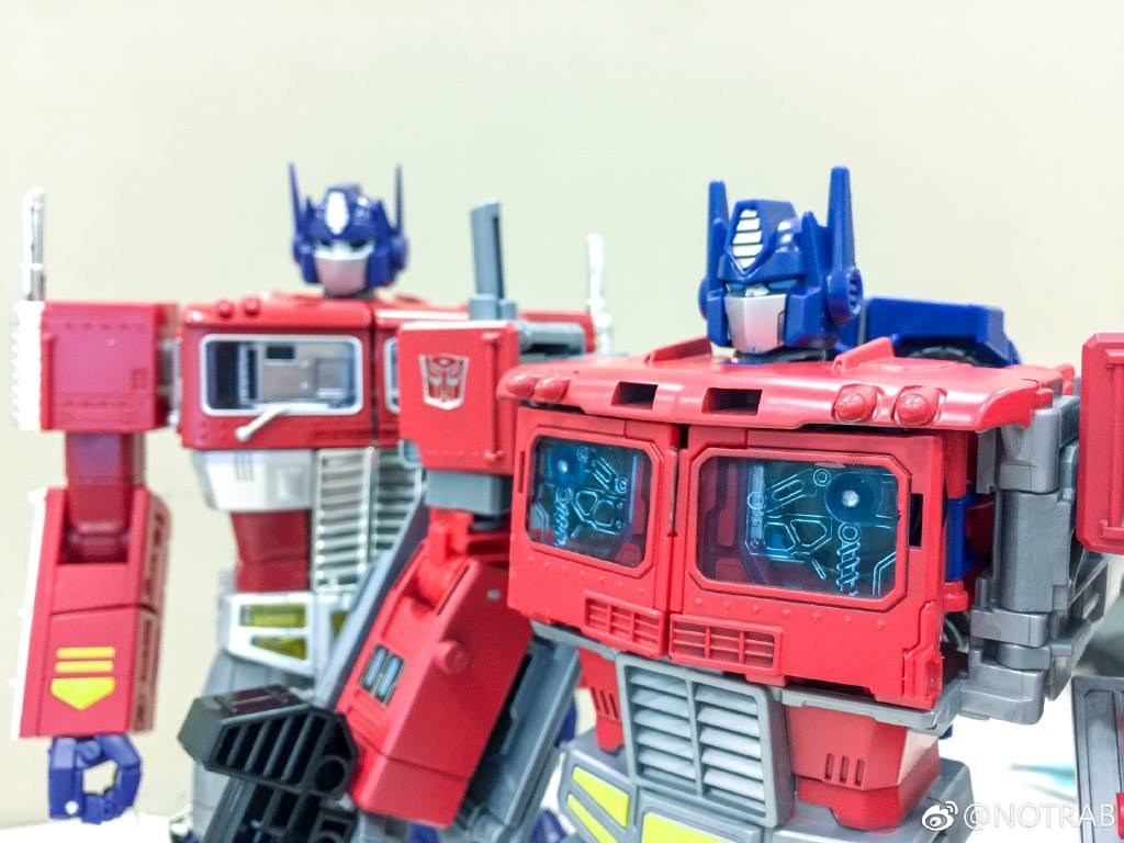 Transformers Power Of The Primes Optimus Prime With Mp 10 Needless Convoy Is An At A Fraction Cost Course Their Are Plenty Differences But Wow This Insane Take Look Images Below And Decide