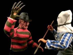 Freddy Krueger fights Jason Voorhees