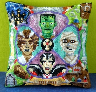 Monster_Party_cushion-collection