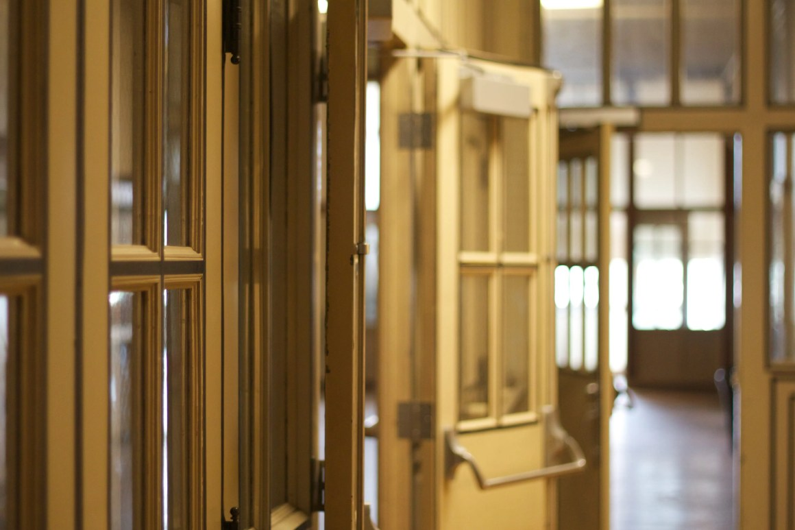 washington-high-doors