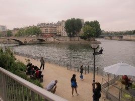 Walking along the Seine. It's so peaceful.