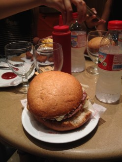 First meal in Barcelona: hamburgesa