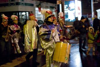 09_parade_drummers