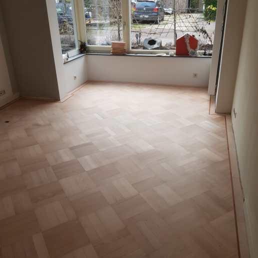 beuken vloer aanhelen lakken schuren Neerlandia Houten Vloeren Nijmegen