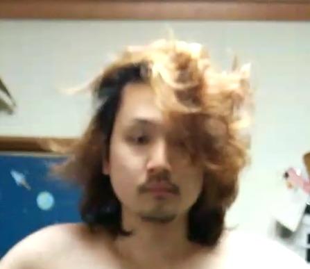 ニート髪を切る