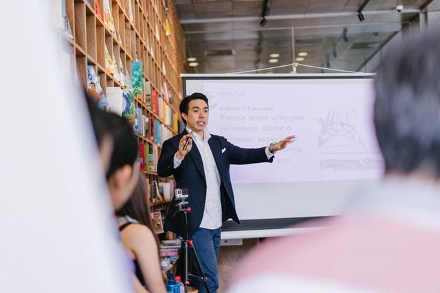 Características de la oratoria: Cuales son y su importancia