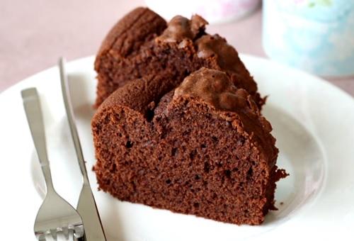 kolay-cikolatali-kek-tarifi