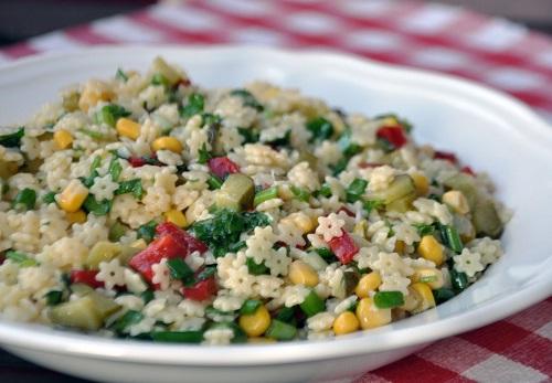yildiz-sehriye-salatasi-tarifi