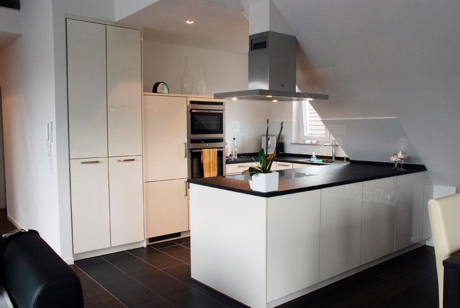 Küche In Weiß, Hochglanz