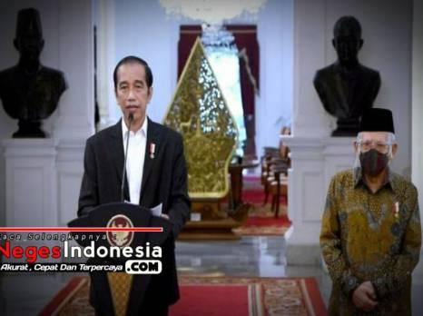Presiden Jokowi Saat Melakukan Pengesahan UU Cipta Kerja