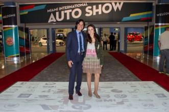 Marcello Serrato Presidente de Prestige Auto y Karen Blanco