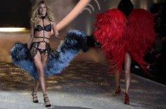 La modelo Doutzen Kroes de Holanda luce una creación de la marca de lencería Victoria's Secret durante el desfile de otoño 2013 en Lexington Armory, Nueva York (EE.UU.) - 14/11/2013   JASON SZENES - EFE