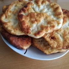 Класически мекици с готово тесто