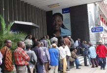 Banks are currently limiting withdrawals to between US$30 and US$100 per day