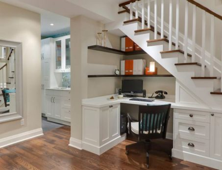 Bob Shaerer Architextural Interiors, schaererarchinteriors.com, created this space-saving, under-the-stairs study nook.