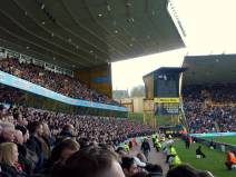 Wolves Utd-end-side (photo by PG)