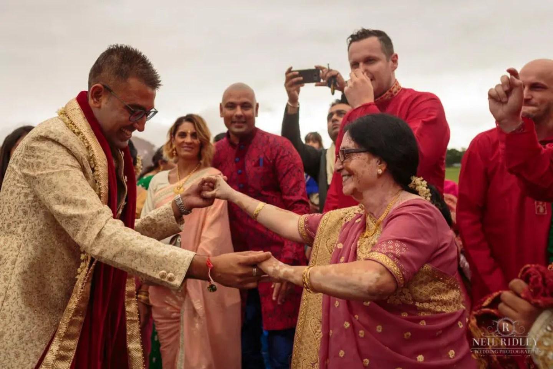 Merrydale Manor Wedding Photographer - Groom dances with his mother