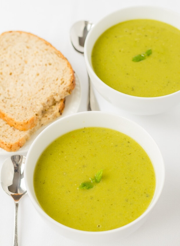 This pea and mint soup is delicious, creamy and exceptionally easy to make. It's made from frozen peas therefore it's low cost and great to make in bulk to freeze for future quick healthy meals. The fresh mint here also adds such as clean taste to this excellent, simple lunch time staple.