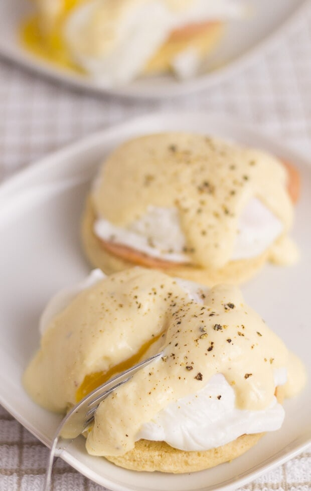 Healthy Eggs Benedict - Neils Healthy Meals