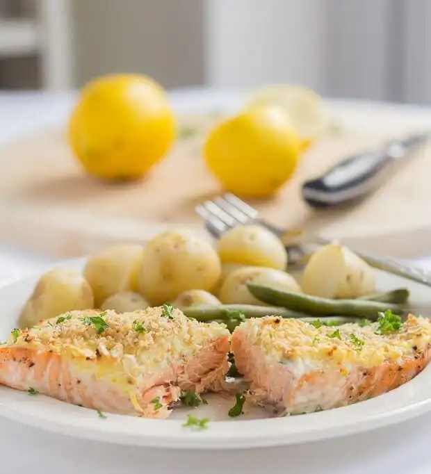 This oven baked salmon with cream cheese and oat bran crust is one super simple, delicious and protein packed meal you're just going to love.