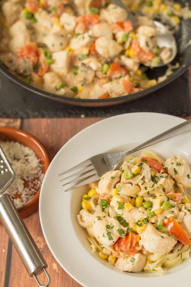 This crème fraiche tagliatelle chicken recipe is a delicious fusion of chicken and vegetables cooked in low fat crème fraiche, which is substituted for cream. You won't actually notice the difference in taste and your waistline will thank you too.