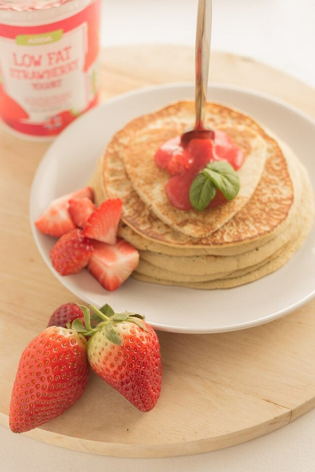 These strawberry valentines pancakes are light and fluffy and so easy to make. Just 4 ingredients and 20 minutes is all you need to surprise your loved one with this healthy brunch on valentines day.