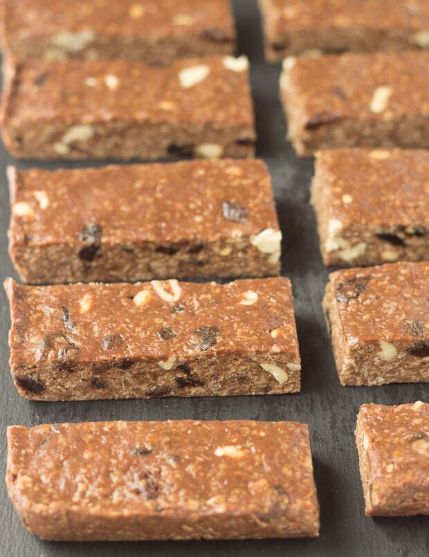 These no bake chocolate peanut butter raisin oat bars are so easy to prepare. With just 6 ingredients and time in the fridge you'll soon be tucking into their delicious chocolateyness!