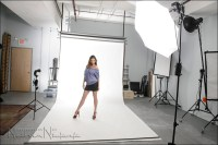 Simple lighting setup with speedlights & white seamless ...