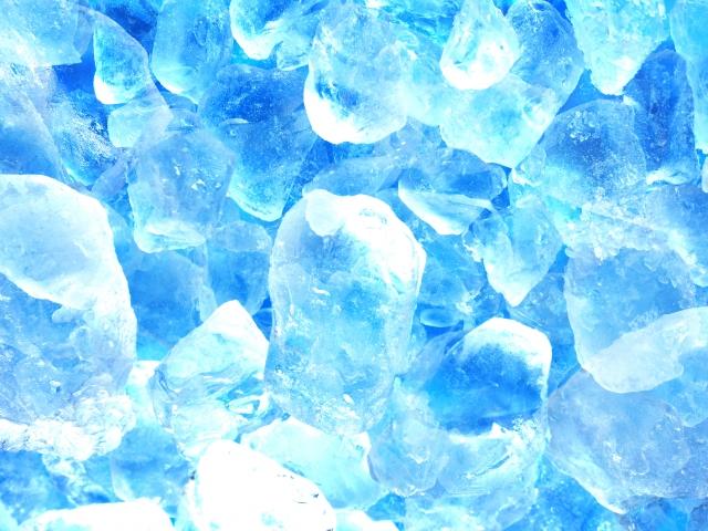 透明で溶けにくい氷は家で作れる...