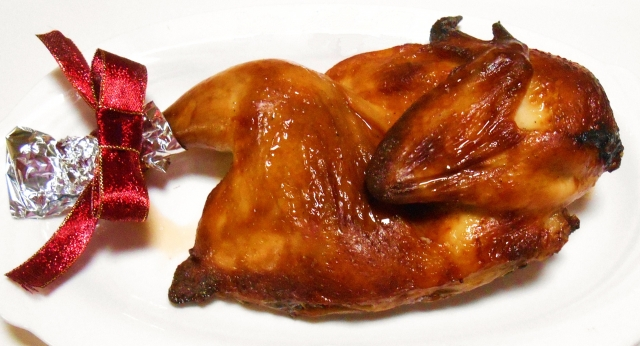 クリスマスにチキンをなぜ食べるのか七面鳥を食べない理由と味の違い