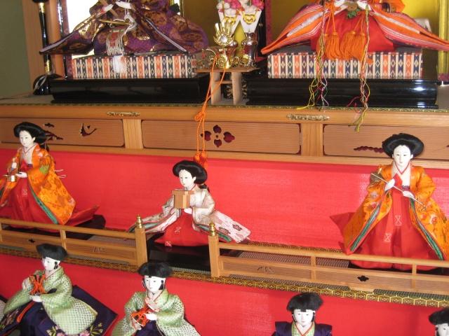 お雛様の三人官女の役割と意味ひな祭りの持ち物の名前と正しい並び方