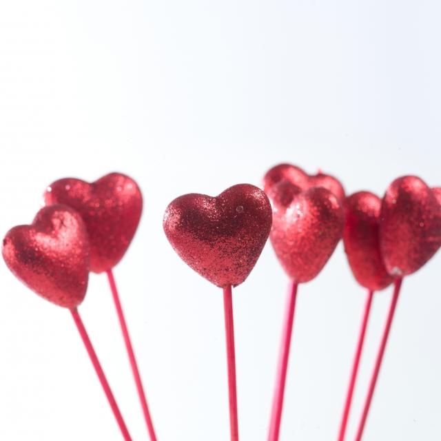 職場のバレンタインチョコは必要かオフィスのマナーと渡し方のルール