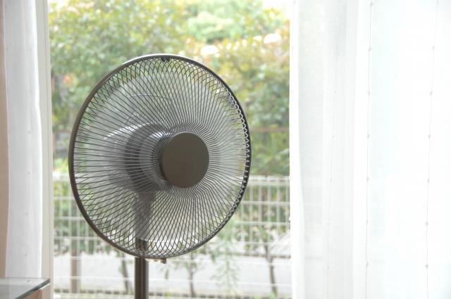 扇風機の電気代はいくらかかる?風量と消費電力ワット数から簡単計算!