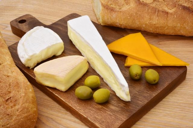 ナチュラルチーズとプロセスチーズの違いとは何?どっちがおすすめ?